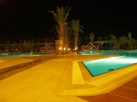Swimming pool night 01