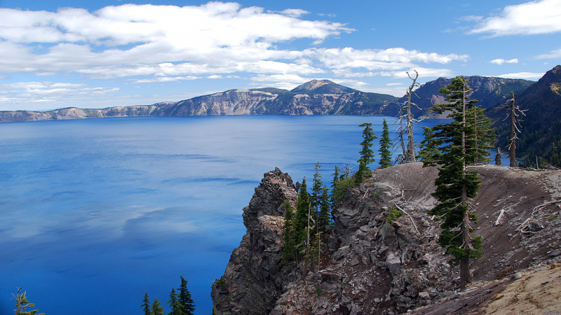 On the Rim(Crater Lake)