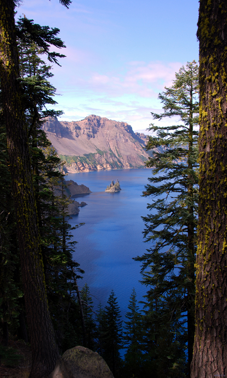 Phantom Ship(Crater Lake)