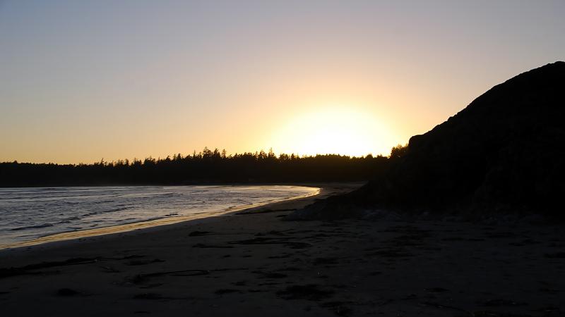 Beachside Sunset(Tofino,BC)