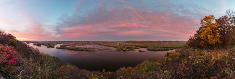 Mississippi River Sunset Over Prairie Du Chien Wisconsin