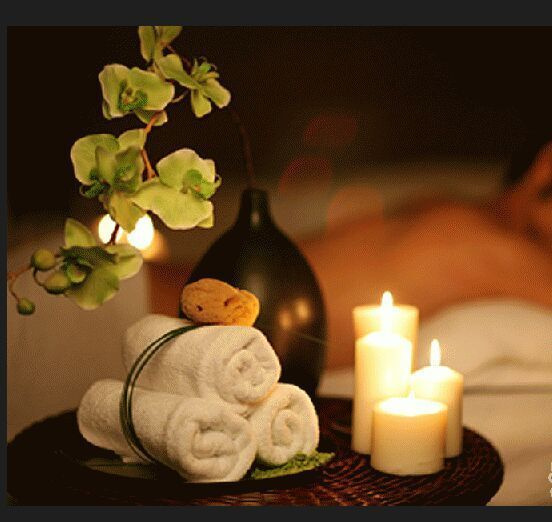 Find Rejuvenating Aroma Oil Body Massage in Delhi NCR